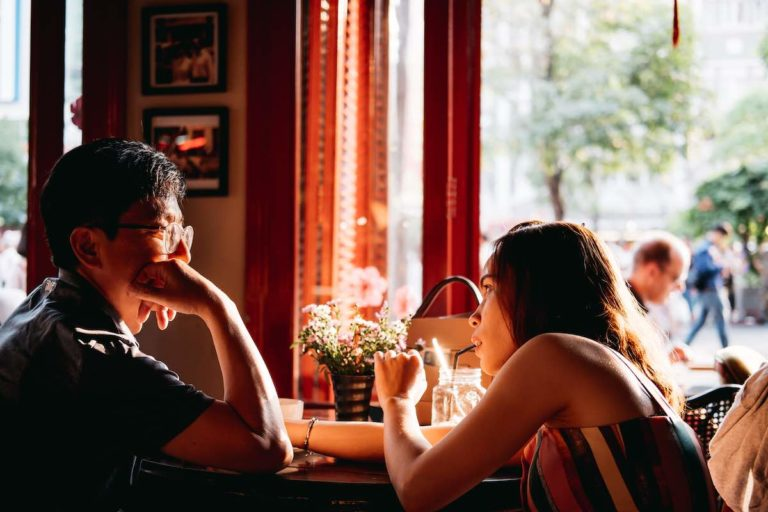 how to get a girlfriend quiz and early dating mistakes