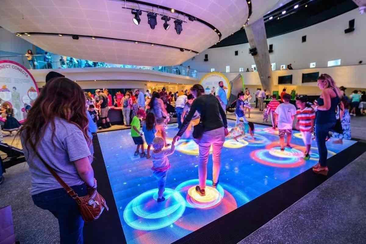 Miami Date Ideas: Frost Planetarium