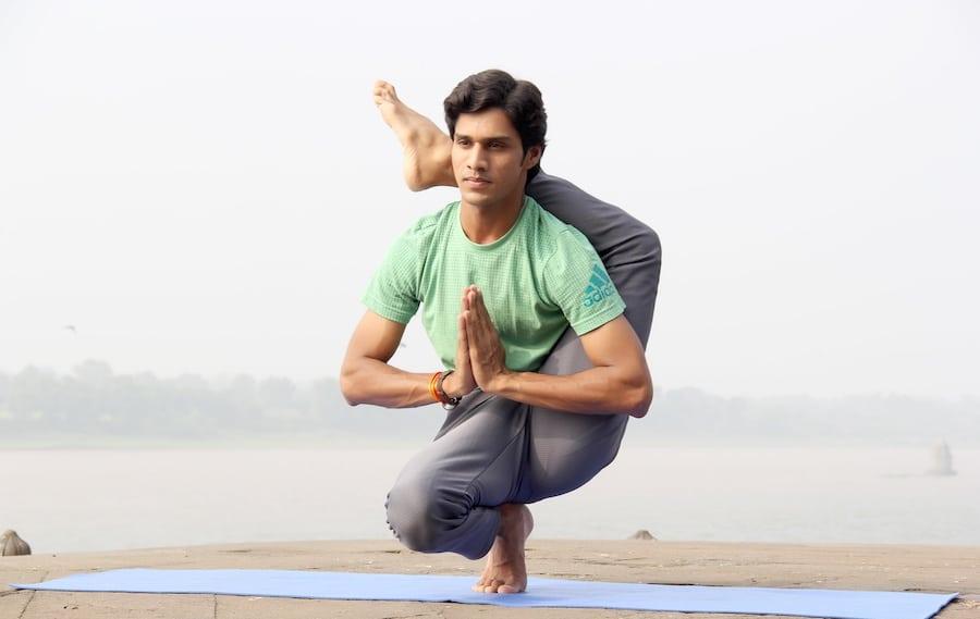 yoga photo bumble