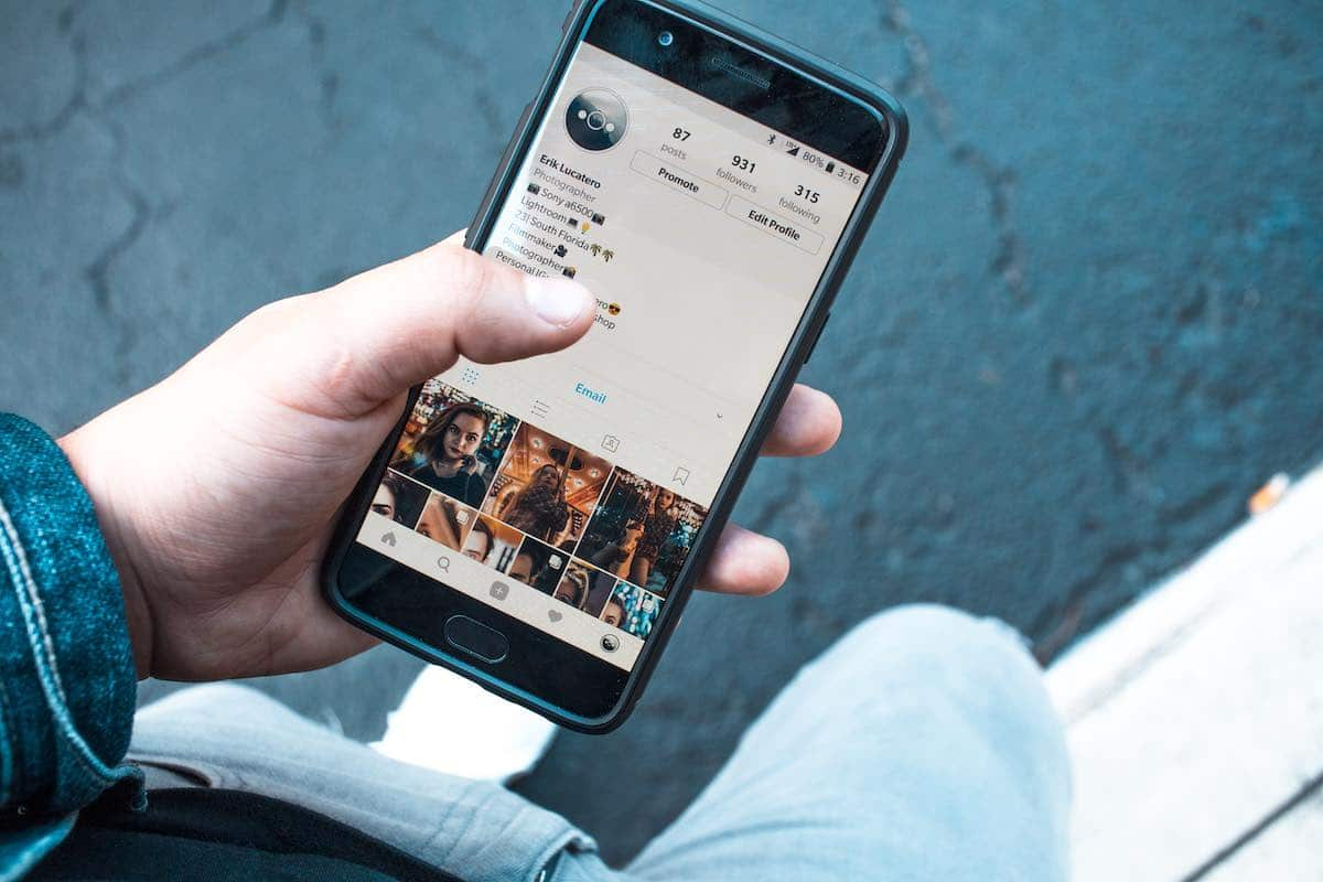 how to get a date on instagram, meetup, or linkedin